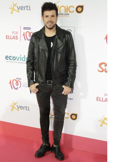 Jacket, Sleeve, Textile, Shoe, Outerwear, Style, Denim, Fashion, Leather jacket, Leather,