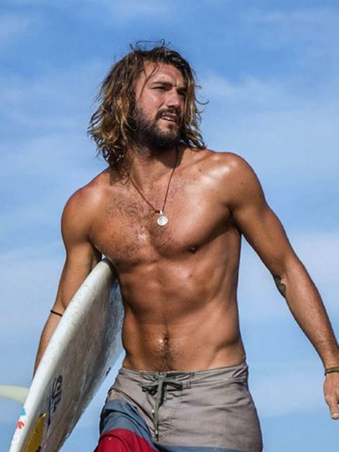 Human, Facial hair, Hairstyle, Shoulder, Chest, Elbow, Barechested, Muscle, Trunk, Beard,