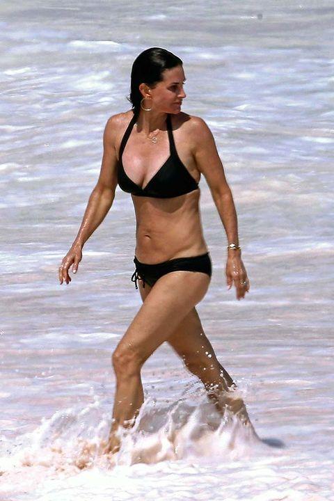 Brassiere, Human body, Joint, Bikini, Summer, Undergarment, Swimwear, Waist, Swimsuit top, Thigh,