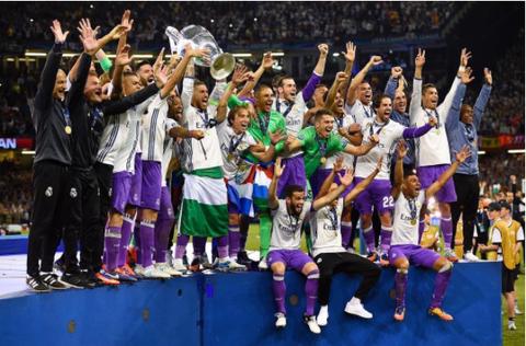 Social group, Purple, Celebrating, Team, Fan, Championship, Cheering, Stadium, Audience, Crew,