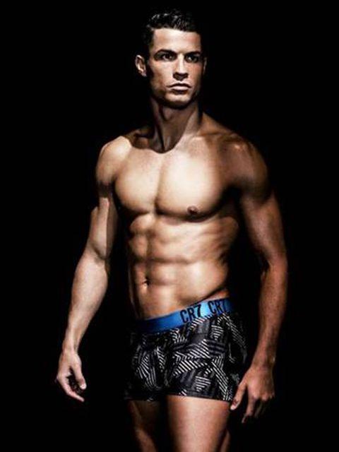Human body, Chin, Shoulder, Bodybuilder, Human leg, Standing, Joint, Barechested, Chest, Muscle,