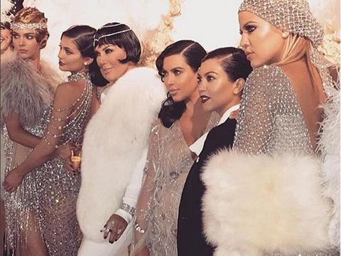 Nose, People, Hair accessory, Headpiece, Headgear, Fashion accessory, Fashion, Beauty, Art, Fur,
