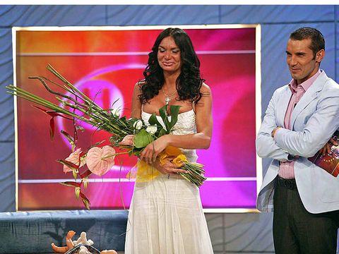 Trousers, Dress shirt, Dress, Formal wear, Bouquet, Suit trousers, Ceremony, Cut flowers, Flower Arranging, Feather,