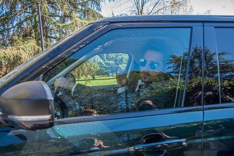 Vehicle door, Motor vehicle, Automotive exterior, Vehicle, Car, Tree, Auto part, Glass, Mode of transport, Windshield,