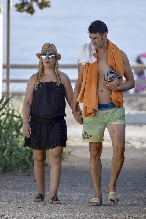 Vacation, Shorts, Snapshot, Fashion, Fun, Summer, Walking, Sunglasses, Beach, Tourism,