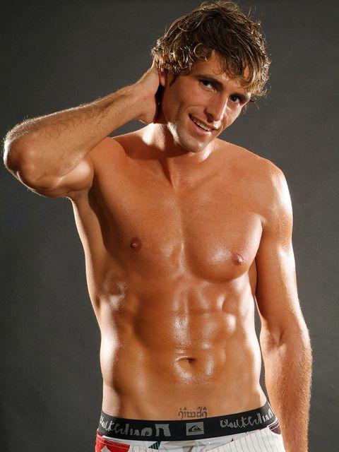 Human body, Skin, Chin, Shoulder, Chest, Barechested, Standing, Joint, Trunk, Abdomen,