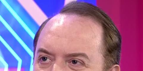 Forehead, Face, Facial expression, Head, Chin, Comb over, Official, Pleased, Spokesperson,