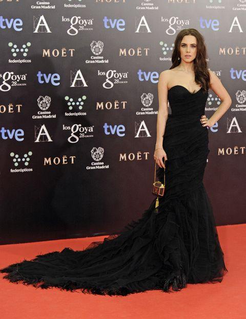 Clothing, Dress, Shoulder, Flooring, Formal wear, Style, Premiere, Carpet, Fashion, Fashion model,