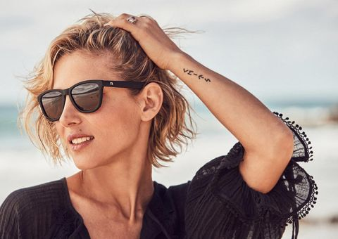 Eyewear, Vision care, Glasses, Hairstyle, Sunglasses, Mammal, Goggles, Style, Fashion accessory, Summer,