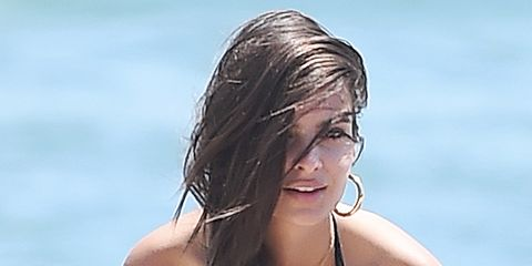 Hair, Hairstyle, Beauty, Surfer hair, Blond, Long hair, Summer, Brown hair, Neck, Chest,