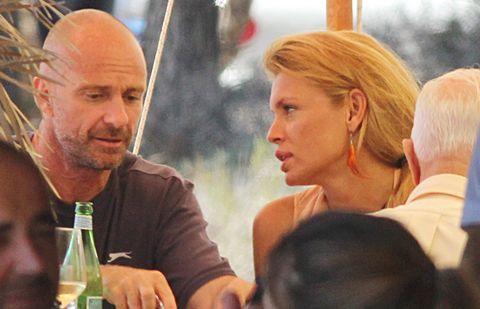Head, Nose, People, Bottle, Glass bottle, Drink, Drinkware, Beard, Interaction, Sharing,