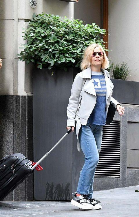 White, Jeans, Blue, Street fashion, Standing, Snapshot, Waist, Denim, Footwear, Shoulder,