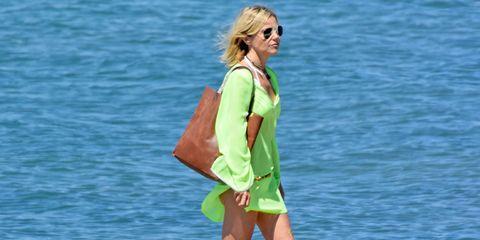 Human leg, Summer, People in nature, Sunglasses, Bag, Street fashion, Vacation, Fashion, Sandal, Travel,