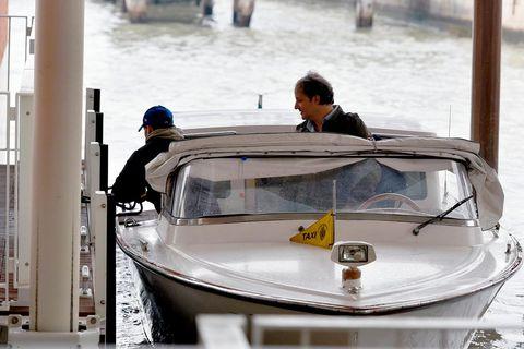 Water transportation, Water, Vehicle, Boat, Waterway, Mode of transport, Boating, Watercraft, Speedboat, Recreation,
