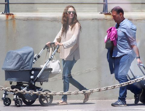 Hair, Product, Jeans, Sunglasses, Baby Products, Goggles, Luggage and bags, Baby carriage, Street fashion, Conversation,