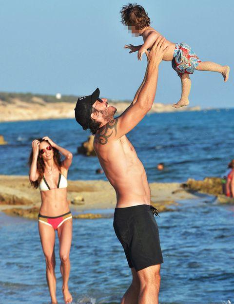 Arm, Fun, Human body, Water, People on beach, Summer, People in nature, Swimwear, Leisure, Elbow,