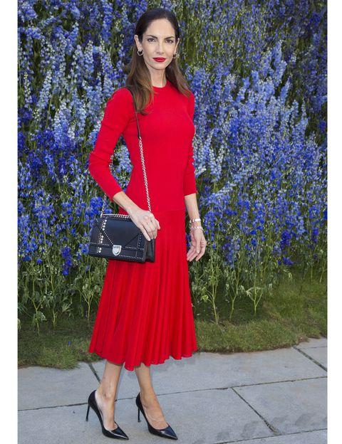 Clothing, Blue, Sleeve, Collar, Outerwear, Fashion accessory, Bag, Electric blue, Street fashion, Waist,
