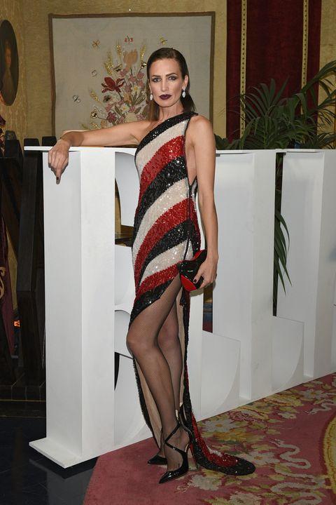 Clothing, Leg, Fashion, Shoulder, Dress, Thigh, Footwear, Human leg, Fashion design, Cocktail dress,