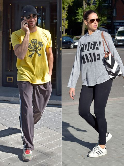 Clothing, Street fashion, Sportswear, Footwear, sweatpant, Snapshot, Fashion, Yellow, Shoe, Tights,