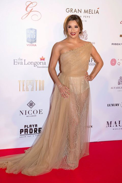 Dress, Clothing, Shoulder, Gown, Carpet, Red carpet, Fashion model, Hairstyle, Haute couture, Fashion,