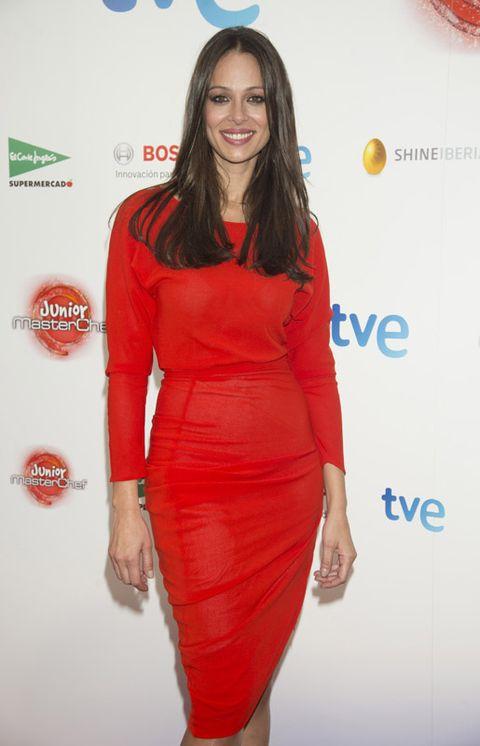 Dress, Shoulder, Red, Joint, Style, One-piece garment, Waist, Formal wear, Orange, Cocktail dress,