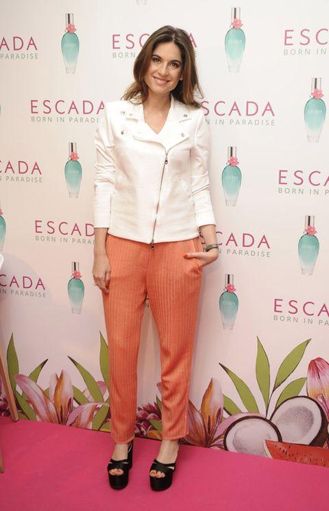 Product, Sleeve, Shoulder, Collar, Pink, Style, Orange, Dress shirt, Turquoise, Teal,
