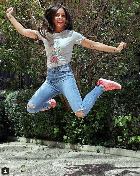 Leg, Fun, Trousers, Jeans, Denim, Shirt, Shoe, Leisure, Happy, Jumping,