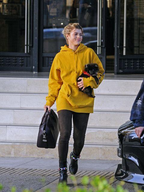 Yellow, Street fashion, Snapshot, Jacket, Fashion, Tights, Footwear, Outerwear, Jeans, Street,