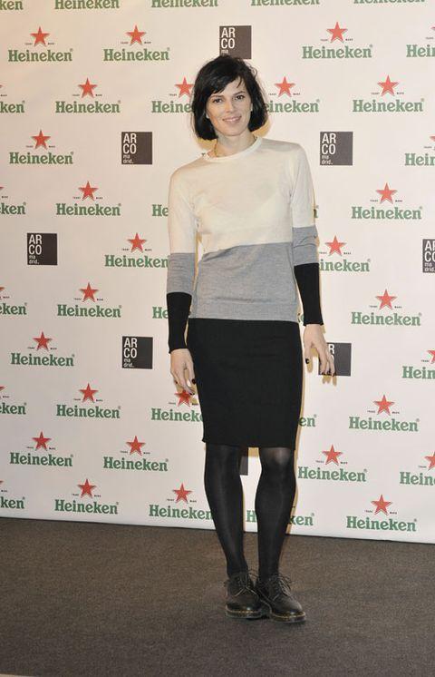 Leg, Sleeve, Human leg, Joint, Style, Knee, Fashion accessory, Waist, Fashion, Thigh,