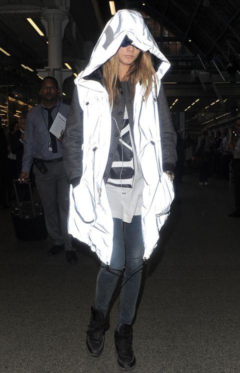 Clothing, Sleeve, Human body, Textile, Outerwear, Coat, Style, Collar, Street fashion, Fashion,