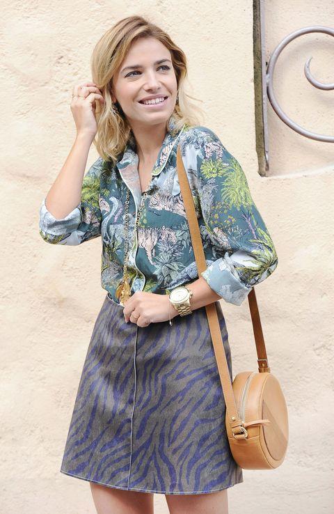 Sleeve, Shoulder, Bag, Collar, Style, Fashion accessory, Dress, Street fashion, Fashion, Day dress,