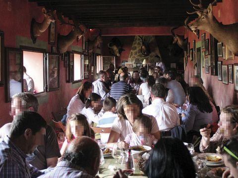 Temple, Drink, Restaurant, Customer, Drinkware, Picture frame, Conversation, Tartan, Plaid, Serveware,