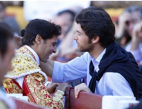 Interaction, Jacket, Tradition, Ritual, Conversation, Ceremony, Rite, Bullring, Matador, Worship,