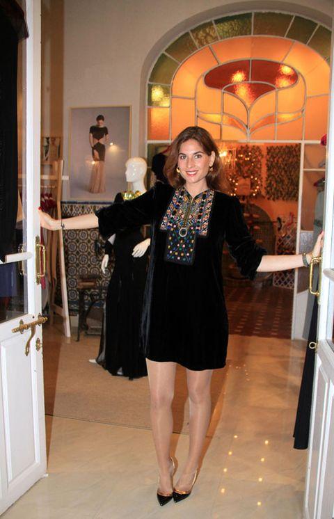 Lighting, Outerwear, Coat, Floor, Flooring, Formal wear, Interior design, Dress, One-piece garment, Blazer,