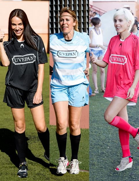 Footwear, Sports uniform, Leg, Human leg, Jersey, Sportswear, Sock, T-shirt, Style, Shorts,