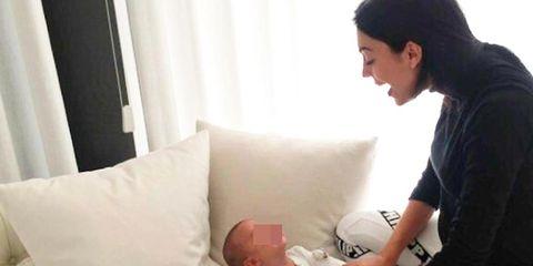 Child, Baby, Arm, Comfort, Leg, Birth, Abdomen, Hand, Toddler, Knee,