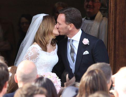 Hair, Head, Ear, Coat, Event, Bridal clothing, Forehead, Dress, Bridal veil, Photograph,