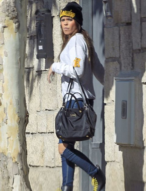 Shoulder, Denim, Textile, Bag, Jeans, Style, Cap, Street fashion, Fashion accessory, Luggage and bags,