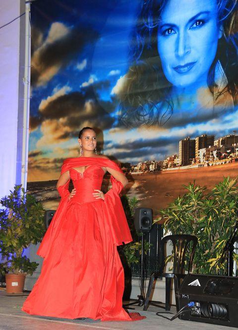 Blue, Fashion, Beauty, Dress, Formal wear, Gown, Fashion design, Haute couture, Model, Event,