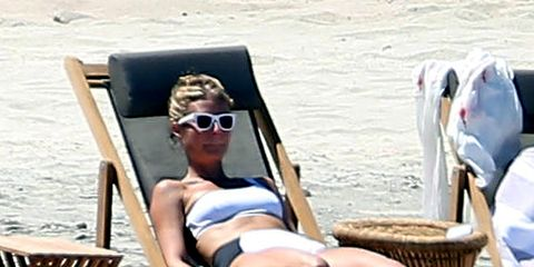 Eyewear, Vision care, Goggles, Sitting, Sunglasses, Leisure, Summer, Vacation, Travel, Holiday,