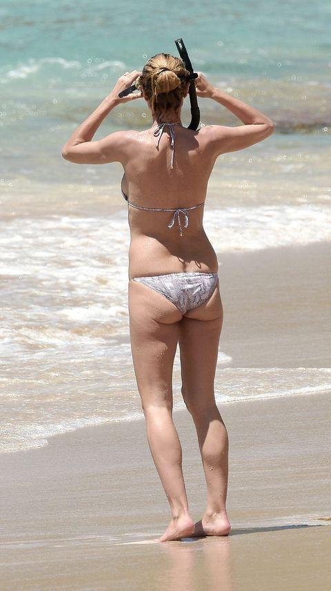 Leg, Brassiere, Human leg, Swimsuit top, Swimwear, Summer, Swimsuit bottom, Bikini, Undergarment, Back,