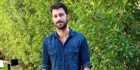 Dress shirt, Collar, Sleeve, Denim, Shirt, Jeans, Facial hair, People in nature, Pocket, Beard,