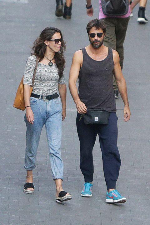 Jeans, Clothing, Fashion, Denim, Street fashion, Leg, Footwear, Trousers, Waist, Fashion model,