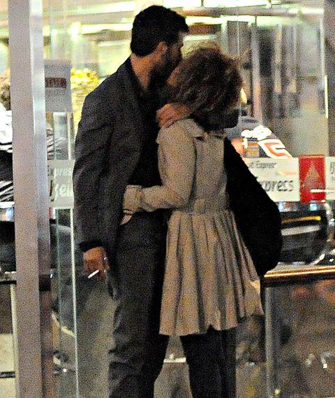 Romance, Interaction, Love, Kiss, Hug, Gesture, Honeymoon, Customer,