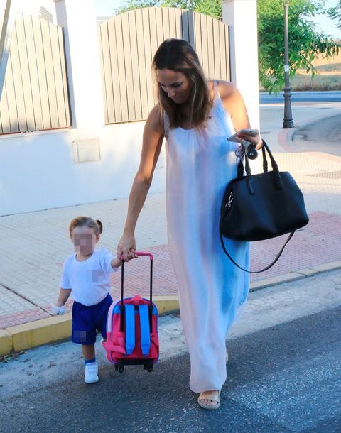Shoulder, Pink, Vacation, Bag, Child, Diaper bag, Travel, Luggage and bags, Fashion accessory, Electric blue,