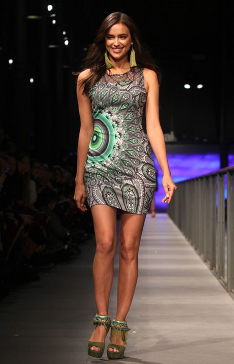 Clothing, Fashion show, Human body, Shoulder, Human leg, Dress, Joint, Fashion model, Style, Runway,
