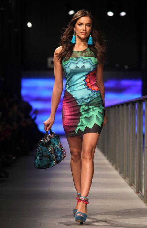 Clothing, Fashion show, Shoulder, Dress, Joint, Fashion model, Style, One-piece garment, Fashion accessory, Runway,