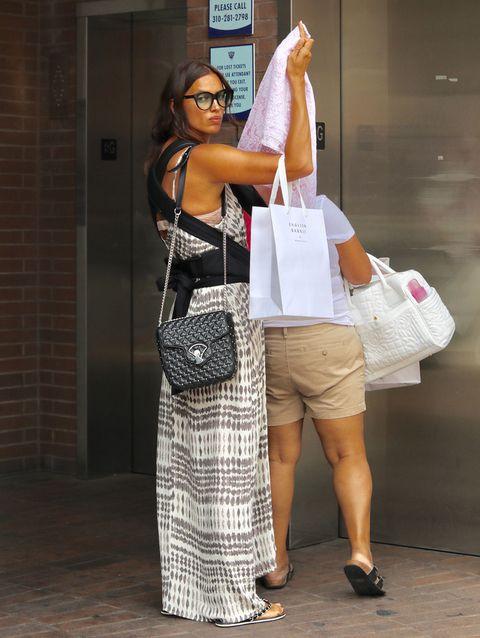 Bag, Goggles, Sunglasses, Style, Fashion accessory, Luggage and bags, Street fashion, Fashion, Waist, Snapshot,