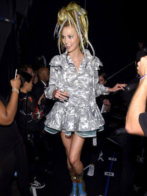 Arm, Event, Fashion accessory, Dress, Fashion, Thigh, Pop music, Public event, Blond, Party,