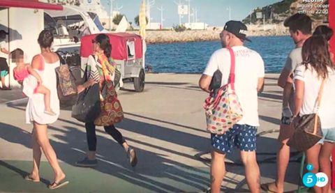 Leg, Transport, Tourism, Photograph, Human leg, Summer, Shorts, Thigh, Interaction, Dress,